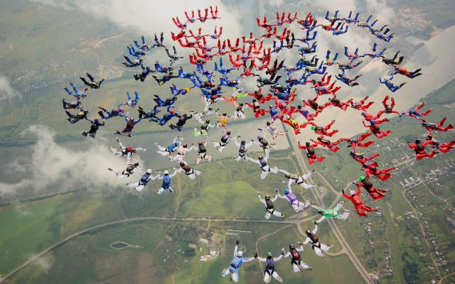 Прыгнуть с парашютом (Московская область, Россия)